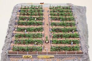 Spur-N-Diorama-Weinberg-Landschaft-viele-Figuren-und-Details-fertig-aufgebaut