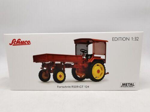 1:32 Schuco Metal Fortschritt RS09-GT 124 Tractor Model Collection
