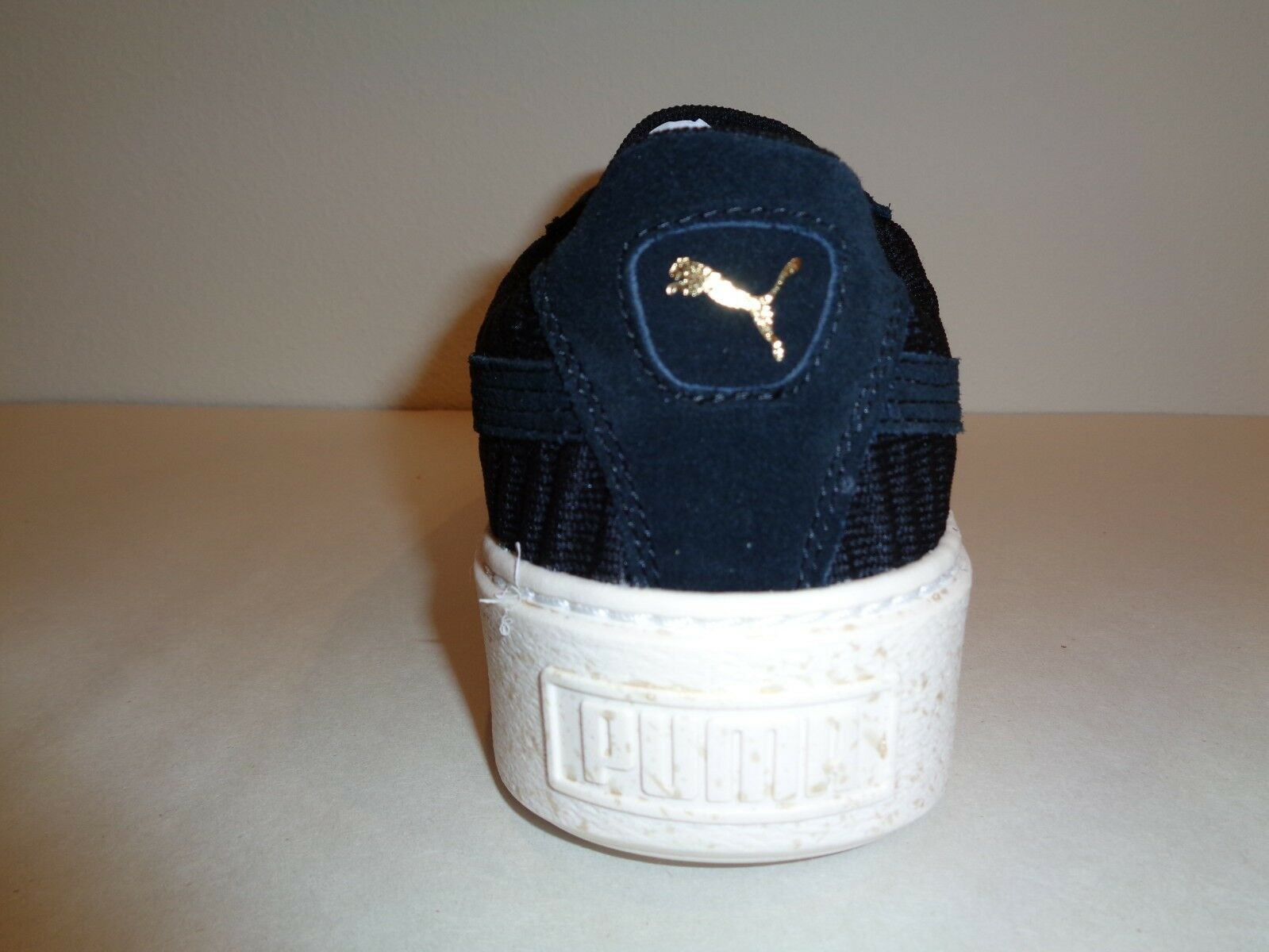 Puma Taille 10.5 basket plateforme OW OW OW Tissu Noir En Daim Baskets Pour Femme Chaussures d9a1f3