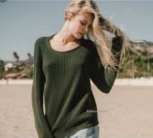 Rare! brandy melville light weight Green Ollie cable knit pullover ... c64f7e822