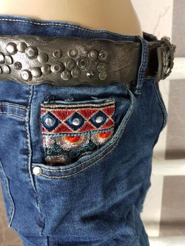 Monday Premium Super Jeans mit Ethno Patches destroyed Risse Stretch Gr 40-44
