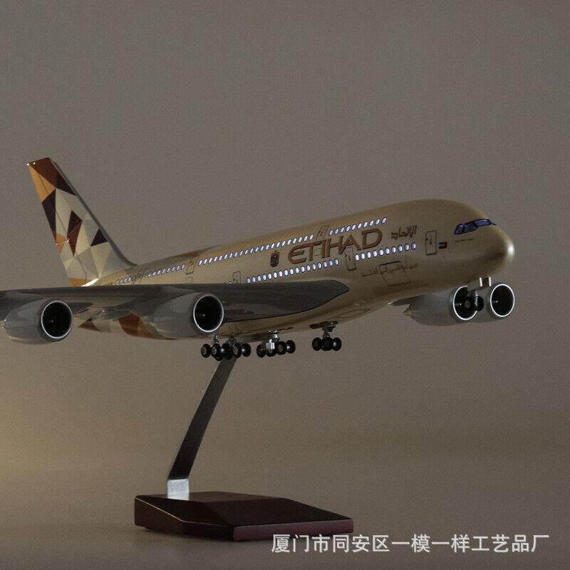 1 130 A380 43cm Etihad Airplane LED Lamp Resin Aircraft  Passanger Plane modello