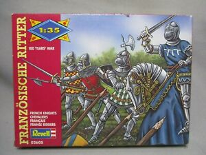 AM260-REVELL-1-35-MAQUETTE-FIGURINES-CHEVALIERS-FRANCAIS-REF-2605-TBE