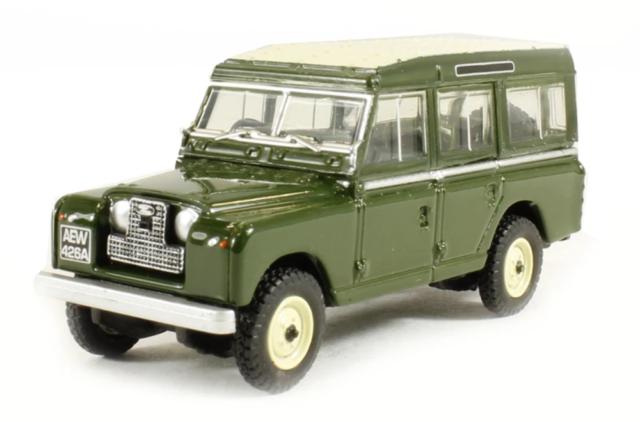 Land Rover Series 11 Station Wagon Bronze Green 1-76 Scale Mib 76LAN2002