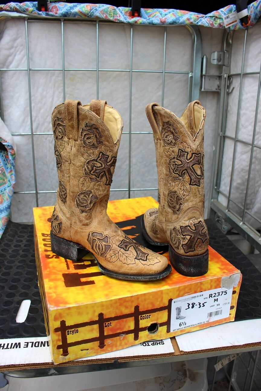 38-35 New Corral ladies 6.5M antiqued western boots was 259.00