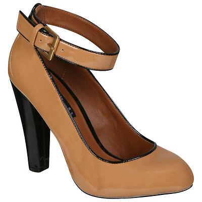 Damen Taupe Braun Patent Hof Schuh mit Knöchelriemen Stylist Auswahl Size 3