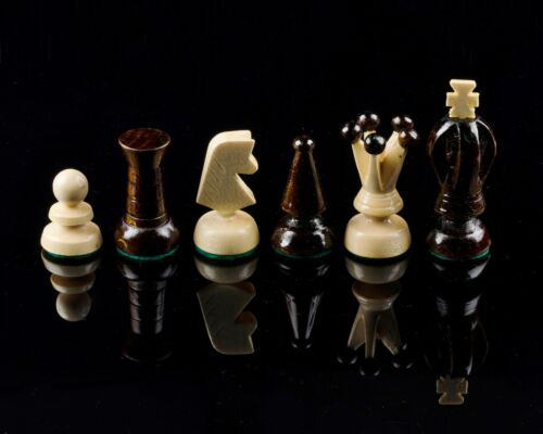 Brand New♞ Hand Crafted  Wooden Chess Set 31.5cm x 31.5cm♚