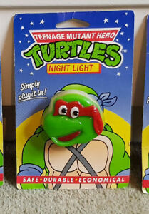 RARE-TEENAGE-MUTANT-HERO-TURTLES-RAPHAEL-CARDED-Plug-In-NIGHT-LIGHT-EXCELLENT