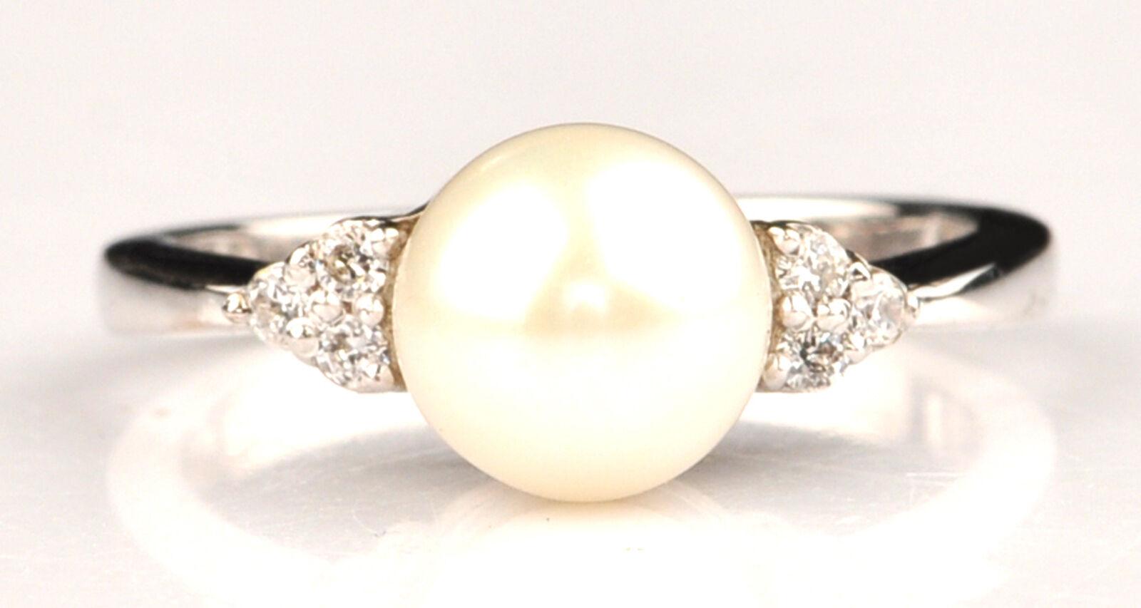 2.87 Carat 14KT White gold Natural Freshwater Pearl IGI Certified Diamond Ring