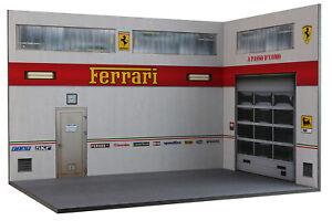 Diorama-Garage-Atelier-Ferrari-1-18eme-18-3-F-AX-AY-003