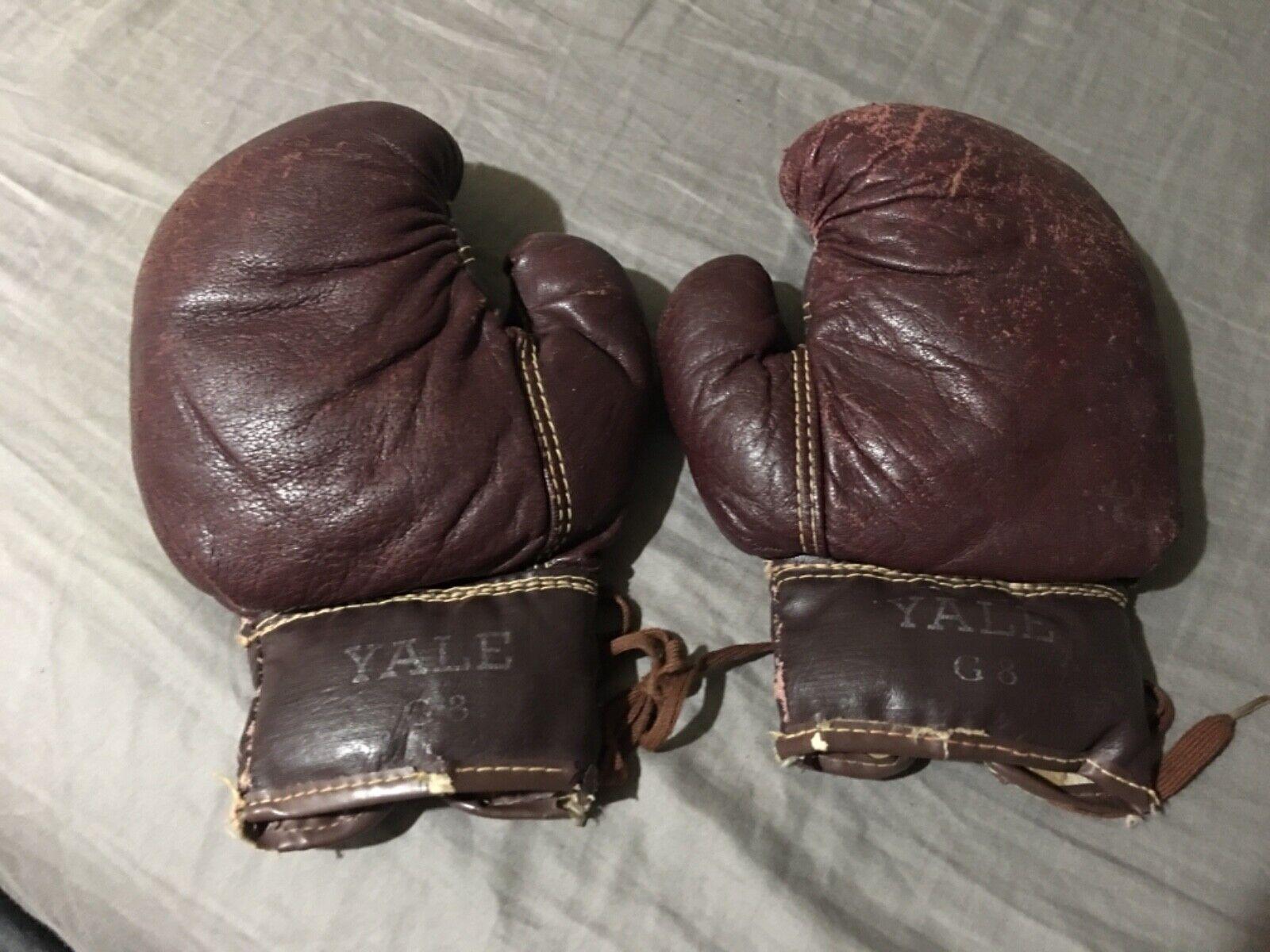 Vintage 1920's Yale boxing g s. Antique.  Memorabilia. Rare. Authentic  online store