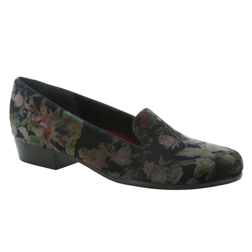 NEW Munro 'Cerise' Slip On Smoking Slipper Loafer - Floral Velvet - 8.5 N  (S70)