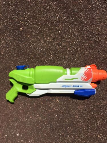 Large Water Gun Pump Action Super Soaker Sprayer Outdoor Beach Garden