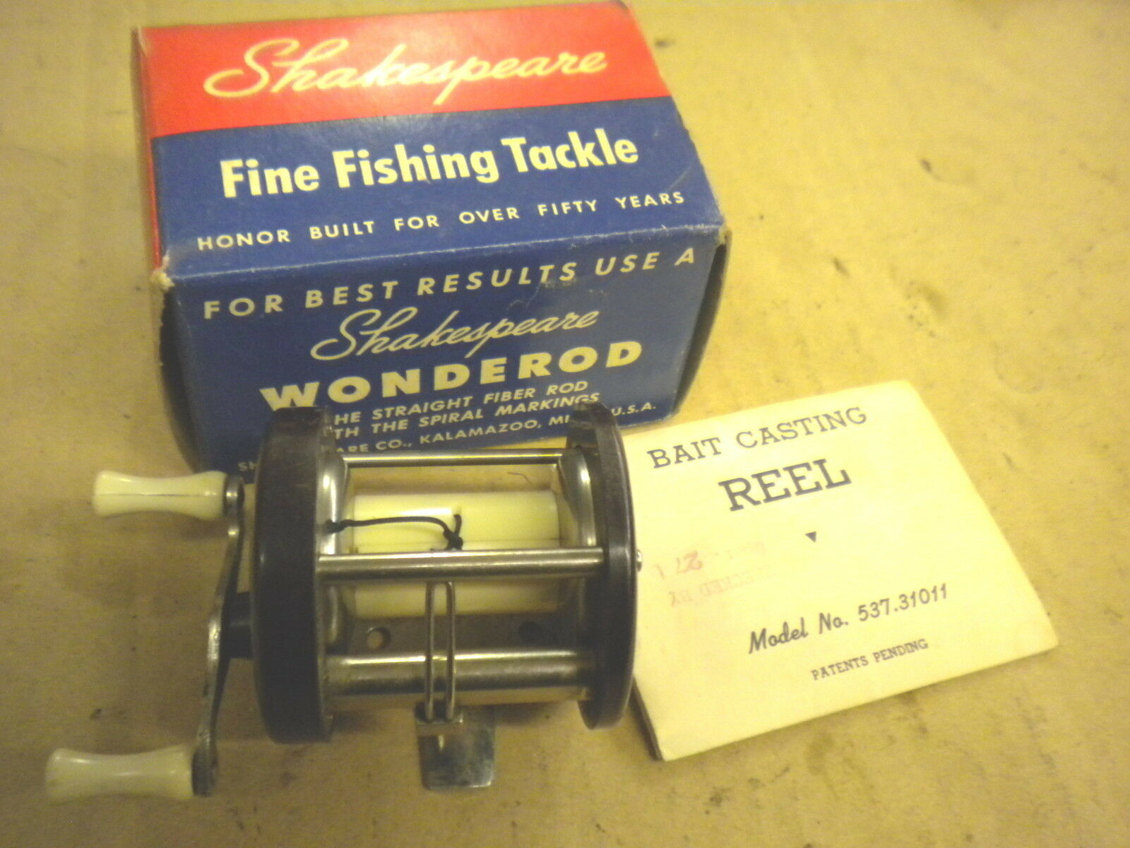 Shakespeare True bluee 1956 Level Wind Casting Reel NEW
