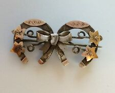 ANTIQUE SILVER & GOLD DOUBLE HORSESHOE GOOD LUCK BROOCH PIN IDEAL WEDDING GIFT