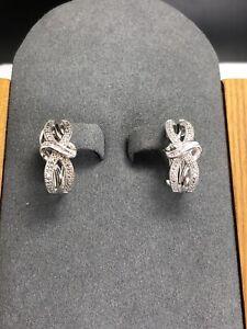 Sterling-Silver-Diamond-Accent-Leverback-Earrings-E941