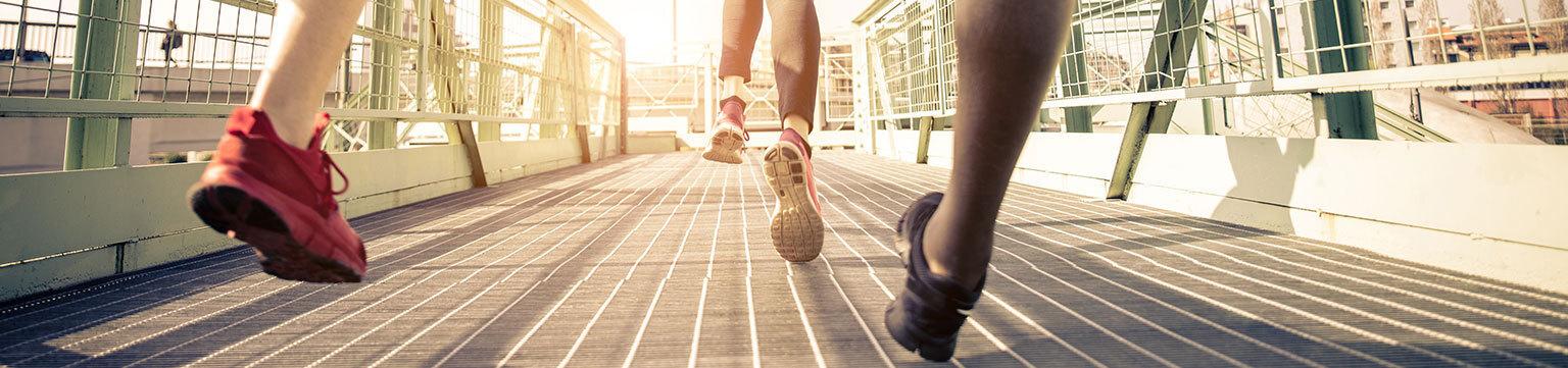 Sneaker bis zu 40%* reduziert