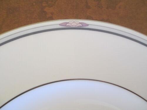 Excellent Simplicity Salad Plate Royal Doulton English Fine Bone China s