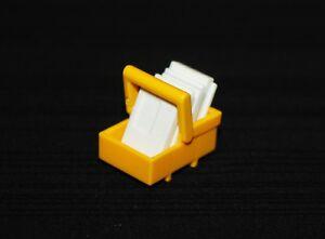 Playmobil-vie-quotidienne-panier-jaune-avec-4-enveloppes-poste-4289