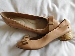 e01bfa436 DANA BUCHMAN taupe TAN BROWN FLATS gold LEATHER BOW gold pumps heel ...
