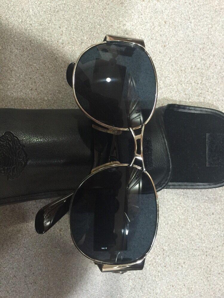 Gianni Versace Vintage Sunglasses MOD. S67 - image 12