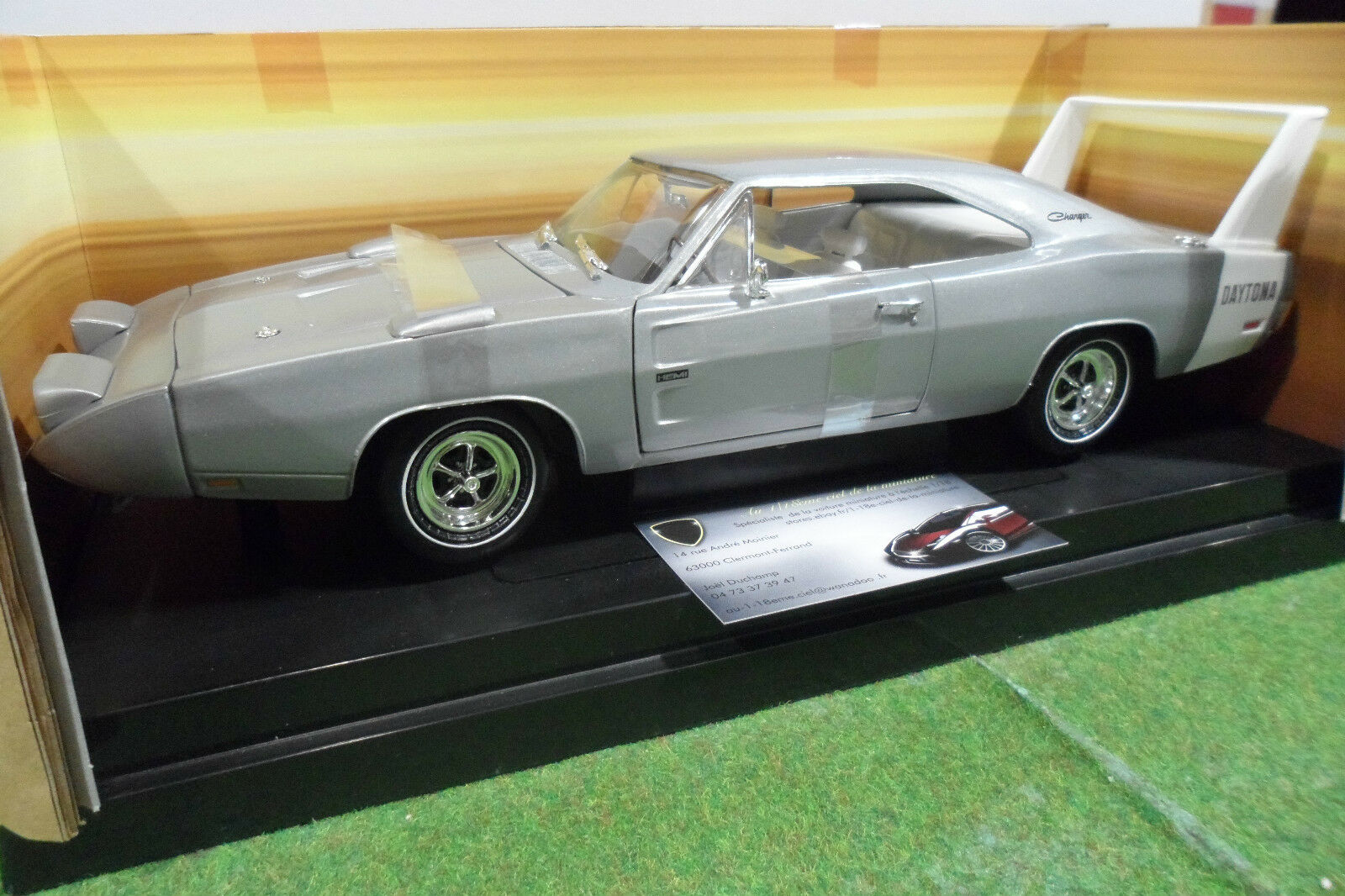 DODGE CHARGER DAYTONA 1969 au 1 18 AMERICAN MUSCLE ERTL 33012 voiture miniature
