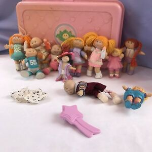 Vintage-Cabbage-Patch-Case-With-Mini-Dolls-Travel-Nursery