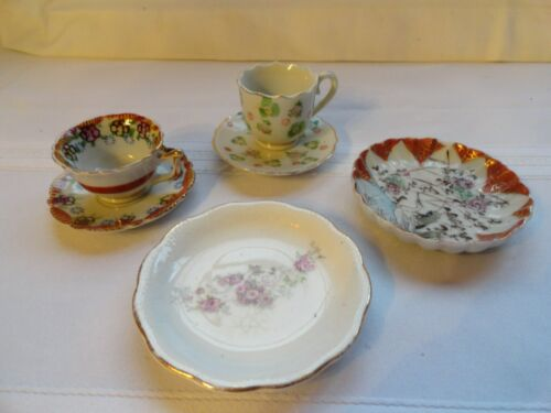 2 MINIATURE CUP AND SAUCER SETS, AND TWO MINIATURE PLATES