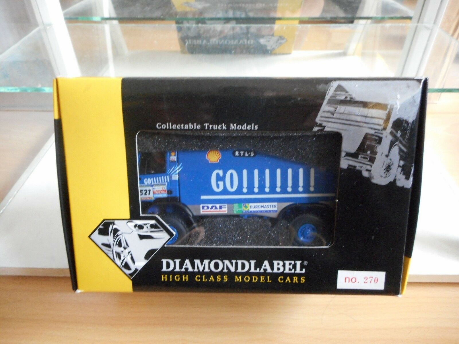 Diamond Label Daf Dakar 2005  521 J. de Rooy in Blau on 1 50 in Box