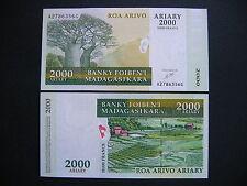 MADAGASCAR  2000 Ariary 2003  (P83)  UNC
