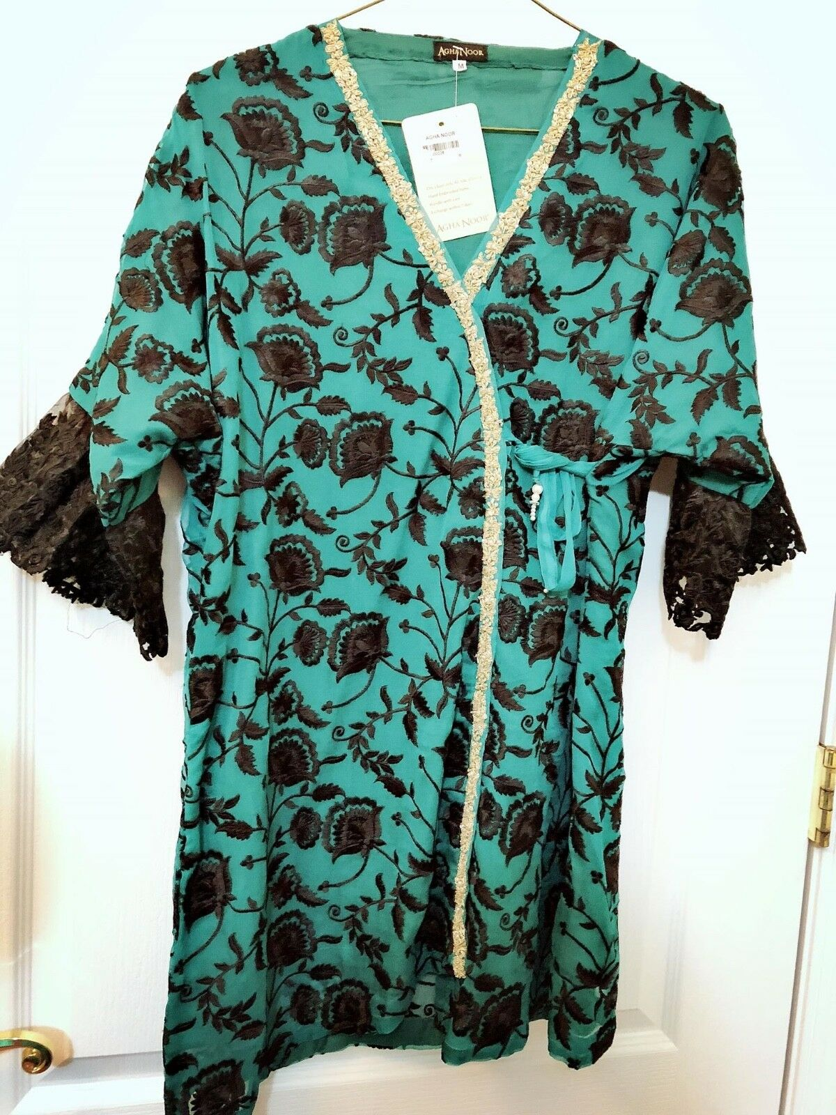 Pakistani Embroidered Authentic Luxury Pret Party wear AGHA NOOR Kurta with slip