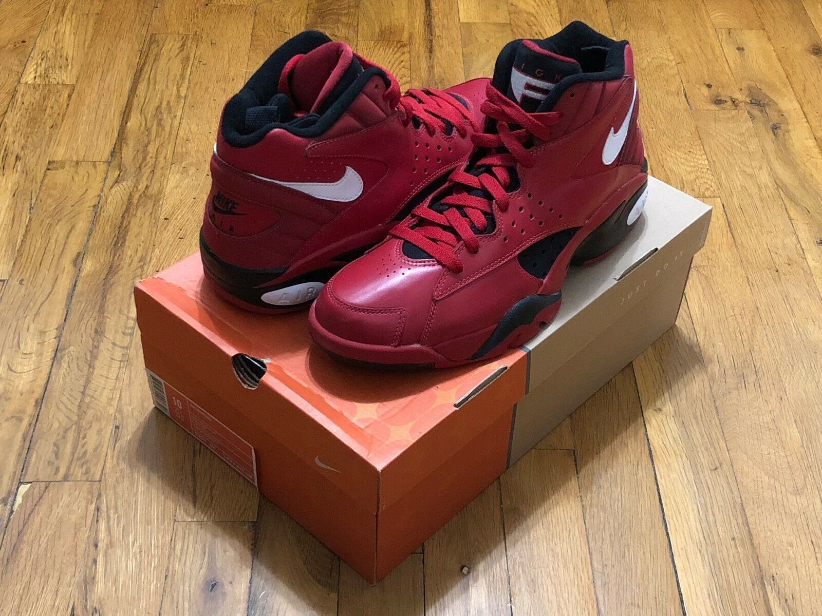 NIKE AIR MAESTRO 2 RETRO 2004 VARSITY RED 311011 611 PIPPEN ASG SIZE 10 DS