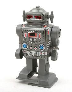 Yonezawa-Toys-Yone-Japan-Tinplate-Clockwork-The-Robot-Captain-No-2121