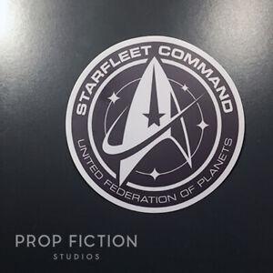 Star-Trek-Discovery-Prop-Starfleet-Command-Case-Sticker-Starship-Set-Decal