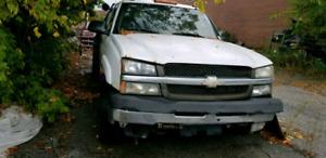 2002 Chevrolet Silverado 3500 tow truck