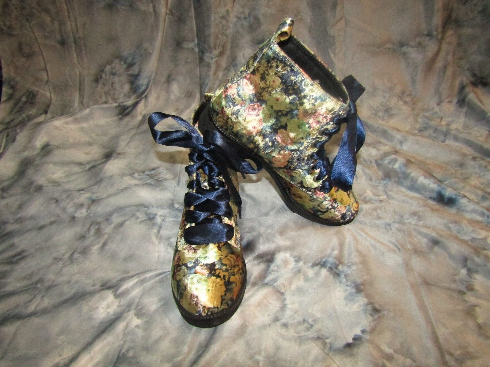 DIRTY LAUNDRY Womans Multi-color Floral Velvet Ankle Boots - Size 8.5 NWOB