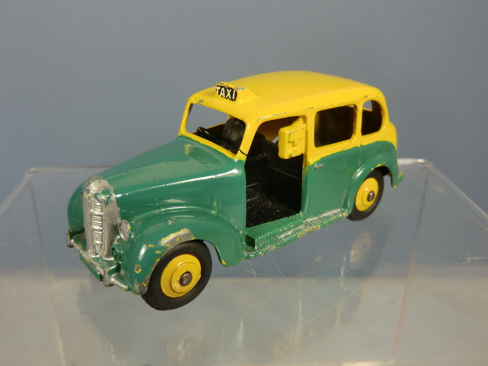 DINKY SpielzeugS  Modelll No.254 AUSTIN FX3 TAXI