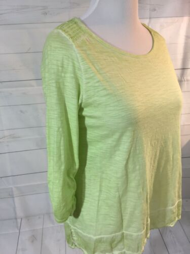 Chico's Sz 1 Pistachio Green Top 3/4 Ruched Sleeve