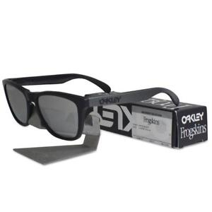 701b28bba01 Oakley OO 9013-78 FROGSKINS Machinist Matte Black Chrome Iridium ...