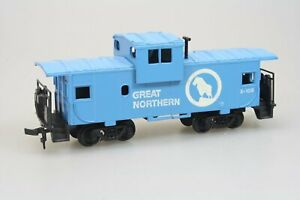 Bachmann-17711-36-039-Wide-Vision-Caboose-der-Great-Northern-in-H0