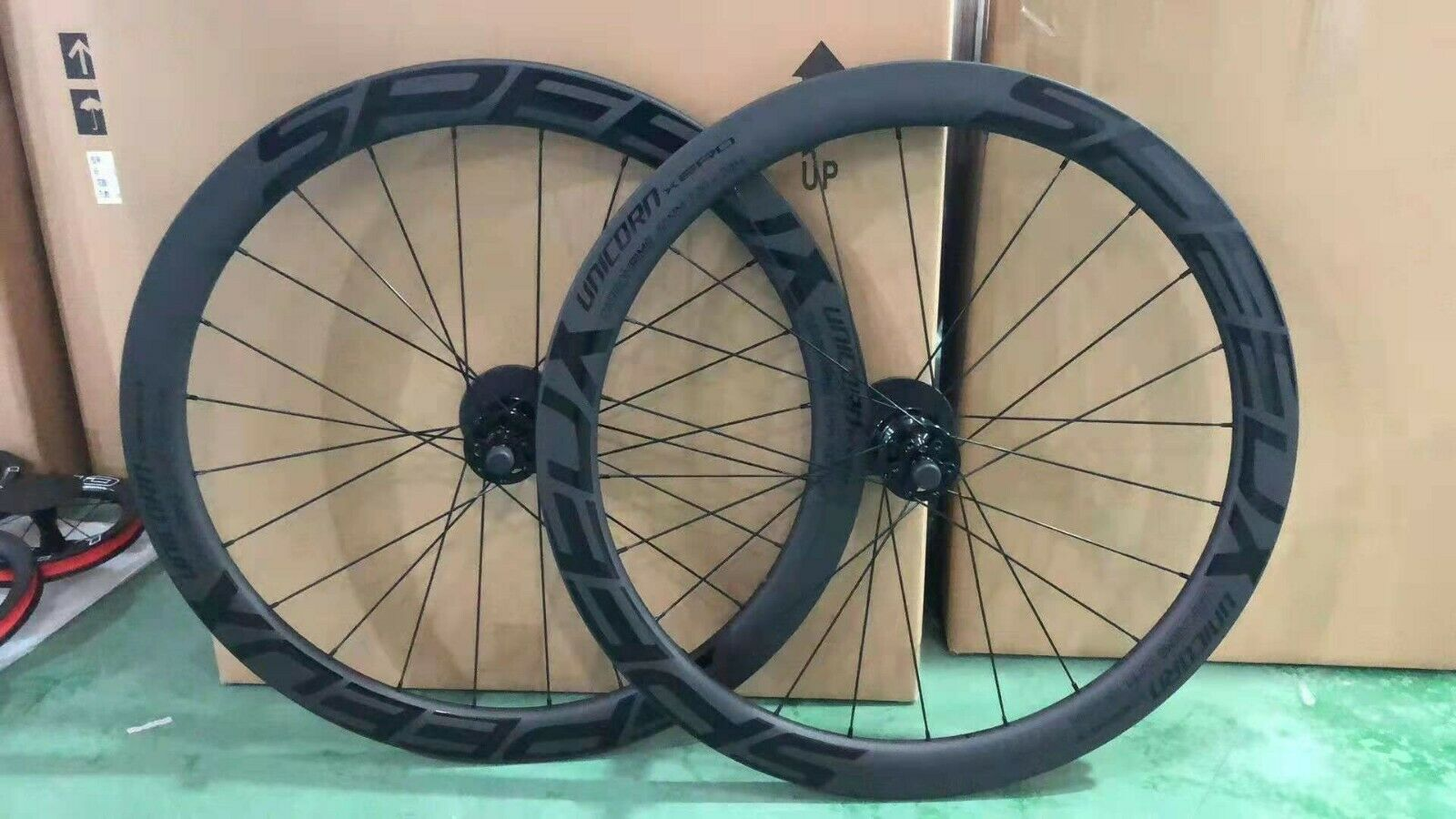 Wheel Pair ( Ant 'and Post 50 MM ) racing  full carbon 700c [Shimano]  low-key luxury connotation