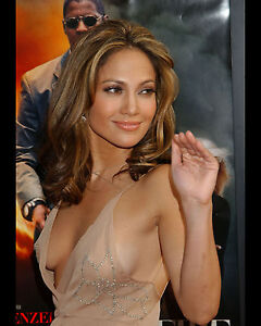 Jennifer lopez sexy boobs