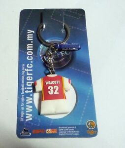 ARSENAL-Keychain-THEO-WALCOTT-32-Ring-TIGER-BEER-MALAYSIA-2006-Football-Rare