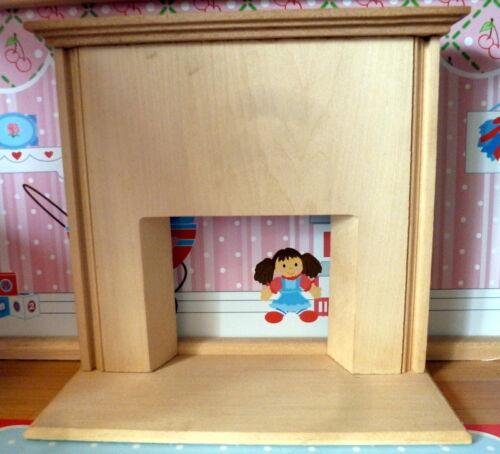 Vintage TYNIETOY Tynie Toy WOOD FIREPLACE MANTEL /& HEARTH Dollhouse Miniature