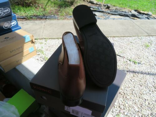 9 NWT Womens Chocolate Brown Vionic Country Thatcher Boots