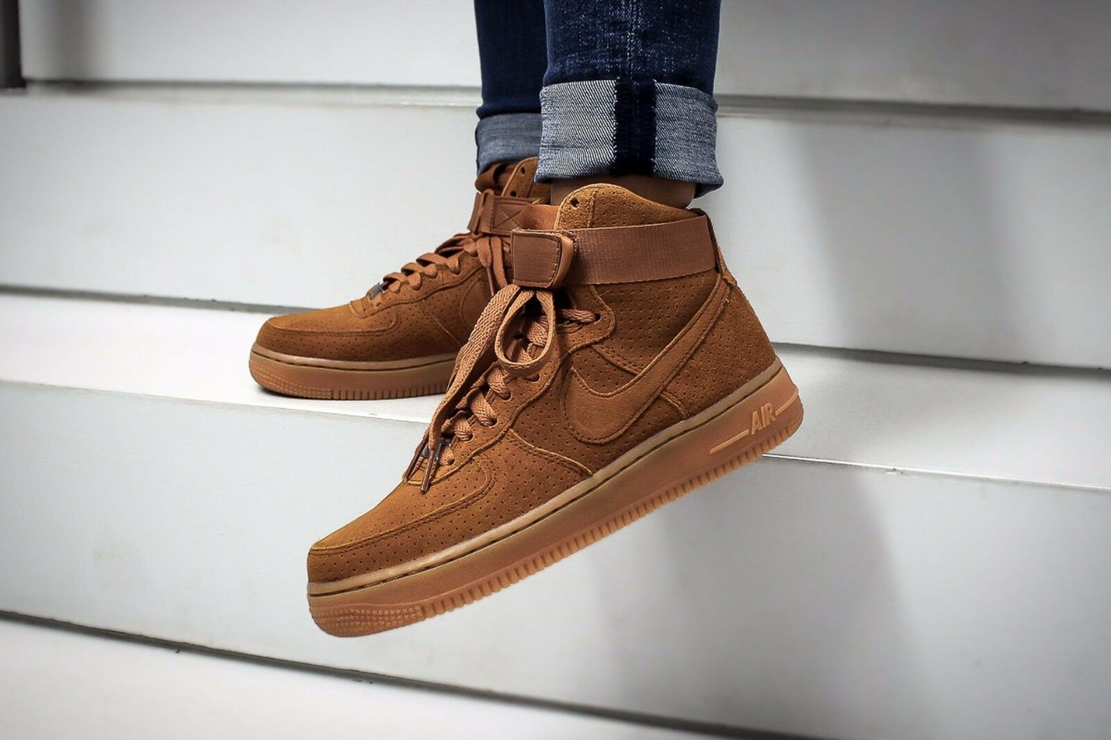 NIKE AIR FORCE 1 HIGH SUEDE TAWNY Wmn Size 8.5 749266-201