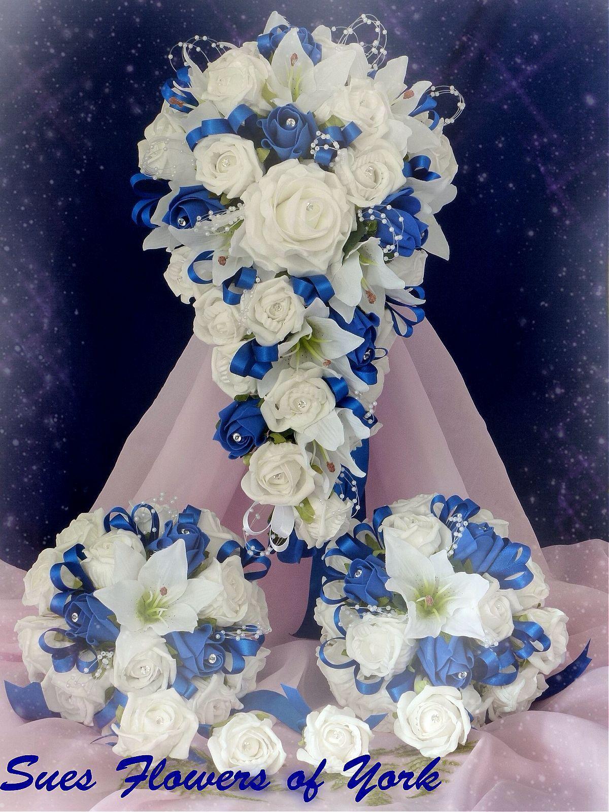 Mariage Fleurs Set Royal Bleu & Blanc Roses 1 mariée 2 demoiselles d'honneur 6 boutonnières