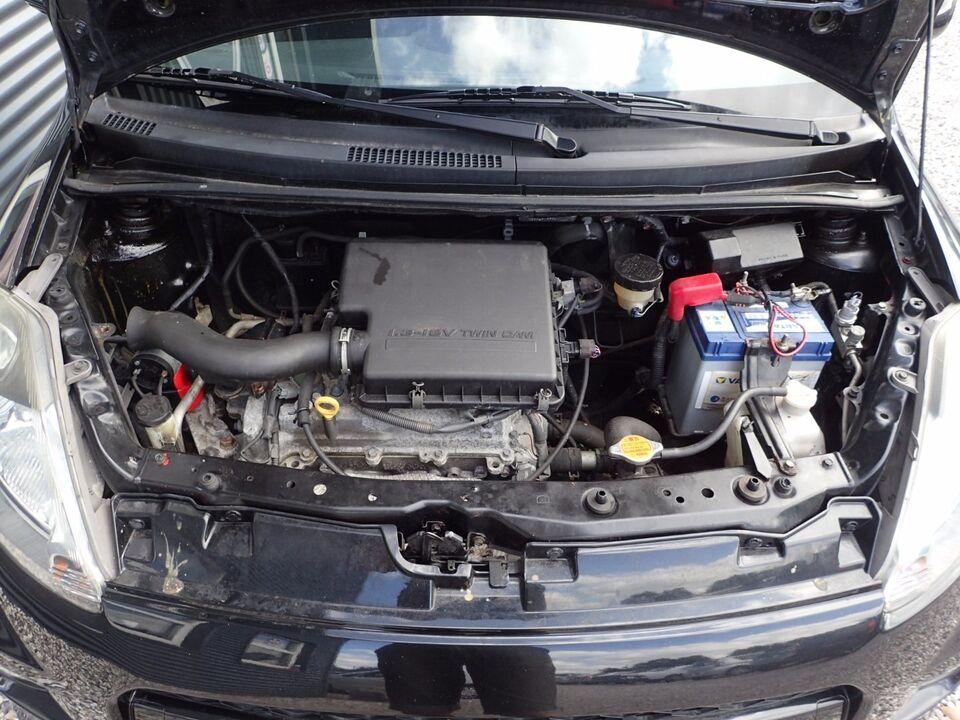 Daihatsu Sirion 2 1,3 Sport Benzin modelår 2005 km 196000