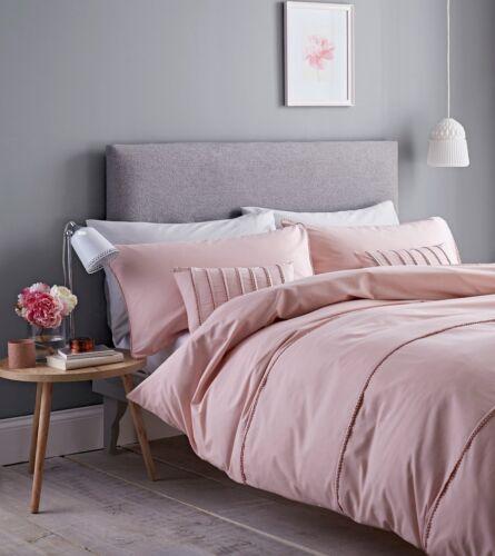 Catherine Lansfield Pom Pom Duvet Cover Bedding Set Blush