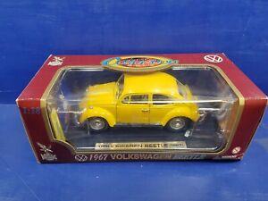 Vintage Road Legends 1:18 1967 Volkswagen Beetle Die Cast Car New in Box Mint